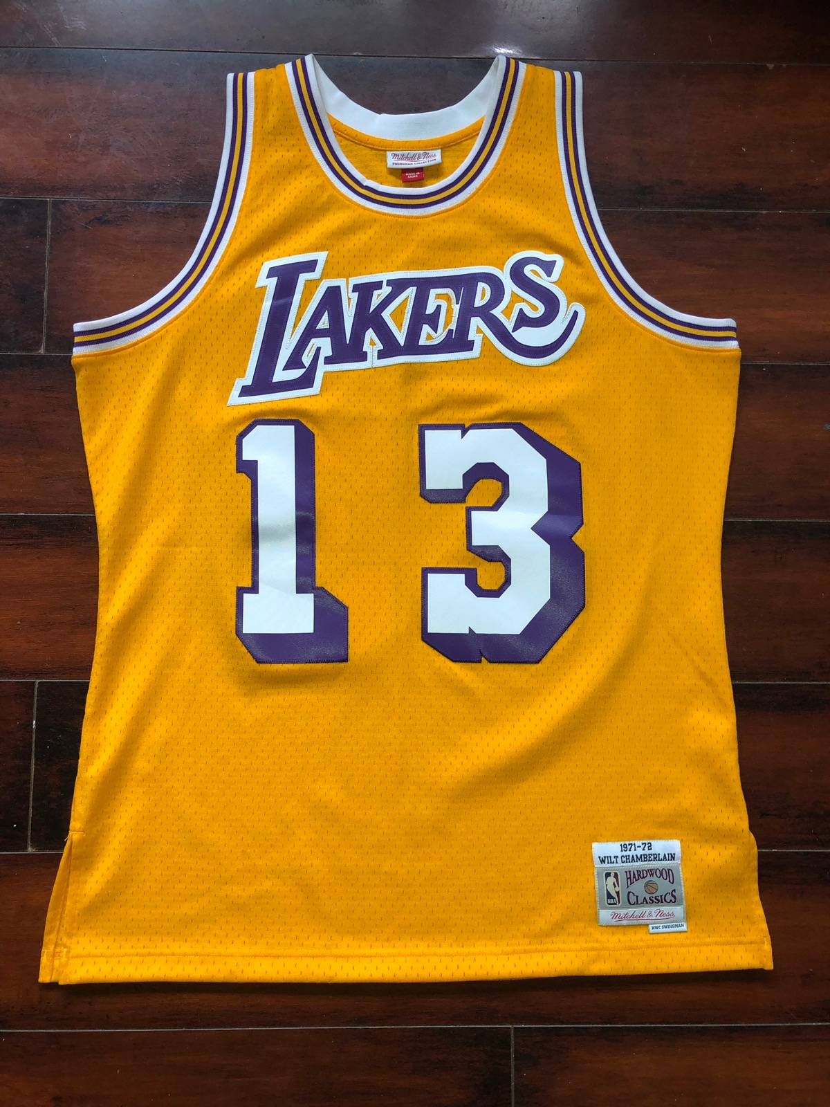 Mitchell & Ness Lakers throwback Wilt Chamberlain