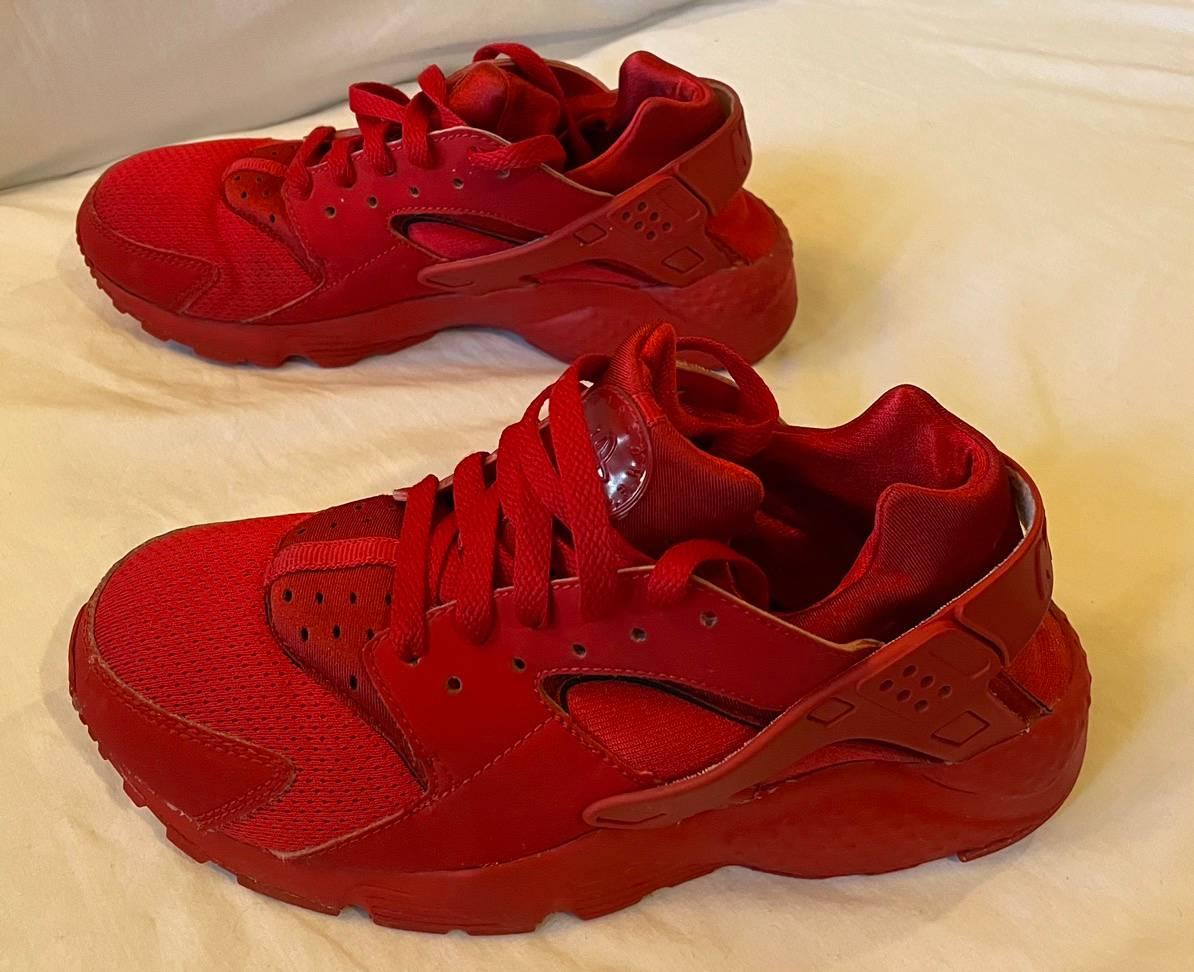 Nike Nike Air Huarache Run Triple Red GS 654275-600 Size 6.5Y