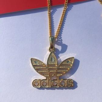 juntos Intensivo personalizado  Adidas Brand New 14k Gold Plated Adidas Trefoil Symbol Pendant Chain  Necklace | Grailed