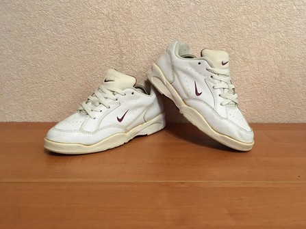 hambruna fluido lobo  Nike Vintage Nike Airliner 90s White Leather Shoes | Grailed