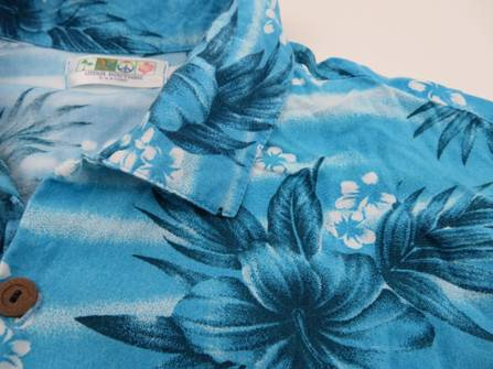 VINTAGE 70s Mens TROPICAL Hawaiian Rayon Shirt Size Large Floral Hand Made Blue White Short Sleeve Button Down Sky Hibiscus Flowers Aloha