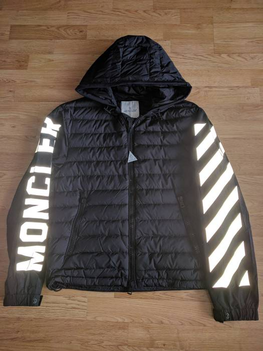 Tablier Moncler Light X Size Jackets White Off Jacket L PqqrdHw