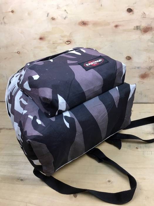 Flesh Eaters X 5352500 Edition Zombie Eastpak Limited xq6UnXEY