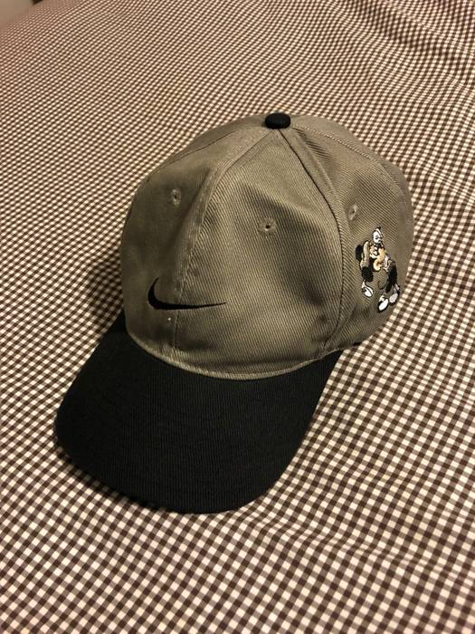 Nike Nike Mickey Mouse Golf Hat Size one size - Hats for Sale - Grailed 5ea3b10bf8f