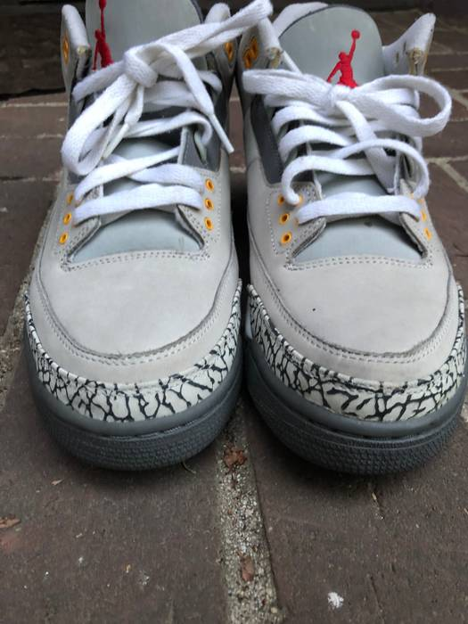Jordan Brand Cool Grey 3 III Size 9.5 - Low-Top Sneakers for Sale ... 8e223723f