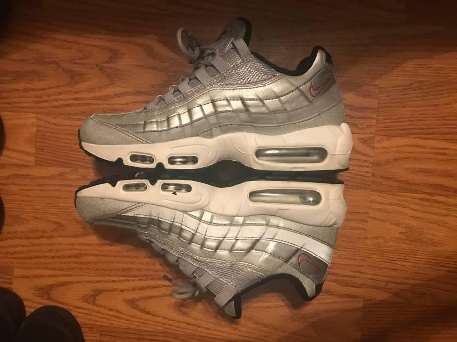 ec2905a3972c Nike Men s Nike Air Max 95 Silver Bullet Size 8 - Low-Top Sneakers ...