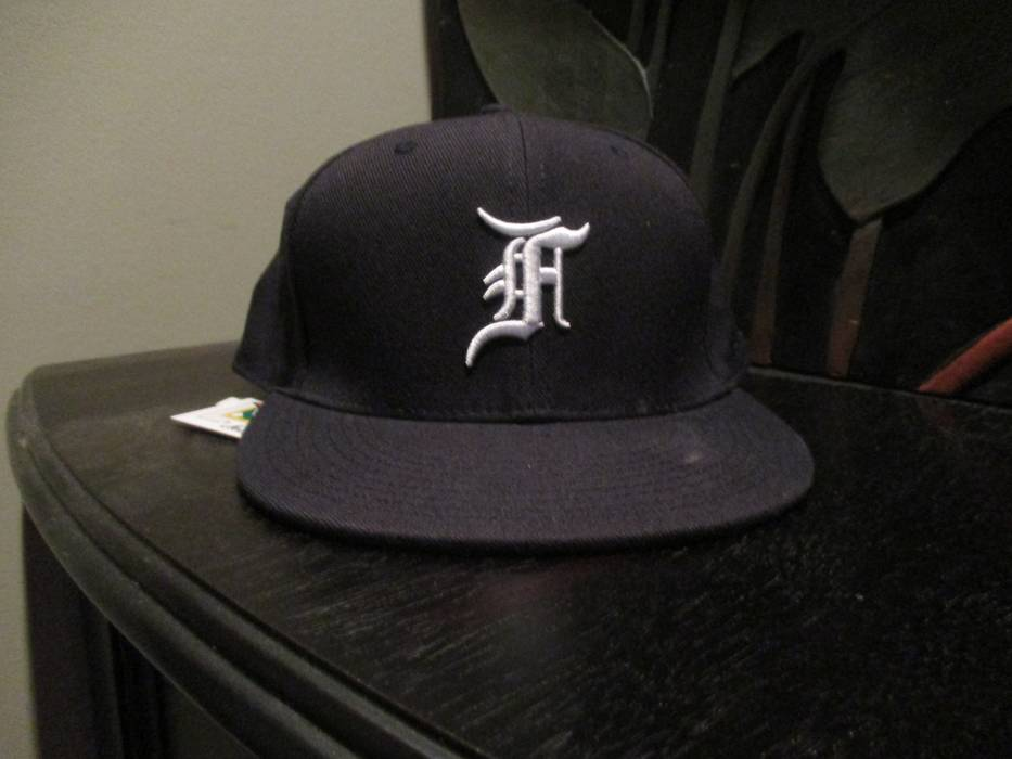 15f3c631626 New Era Navy Cap Size one size - Hats for Sale - Grailed