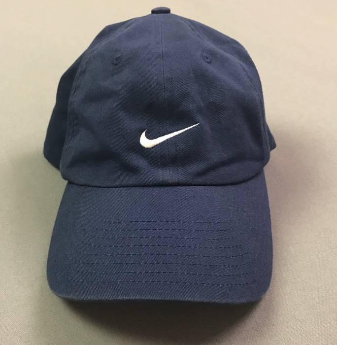 Nike VTG Nike Embroidered Dad Hat Strapback Cap Swoosh Size one size ... 6b4cf1c138c7