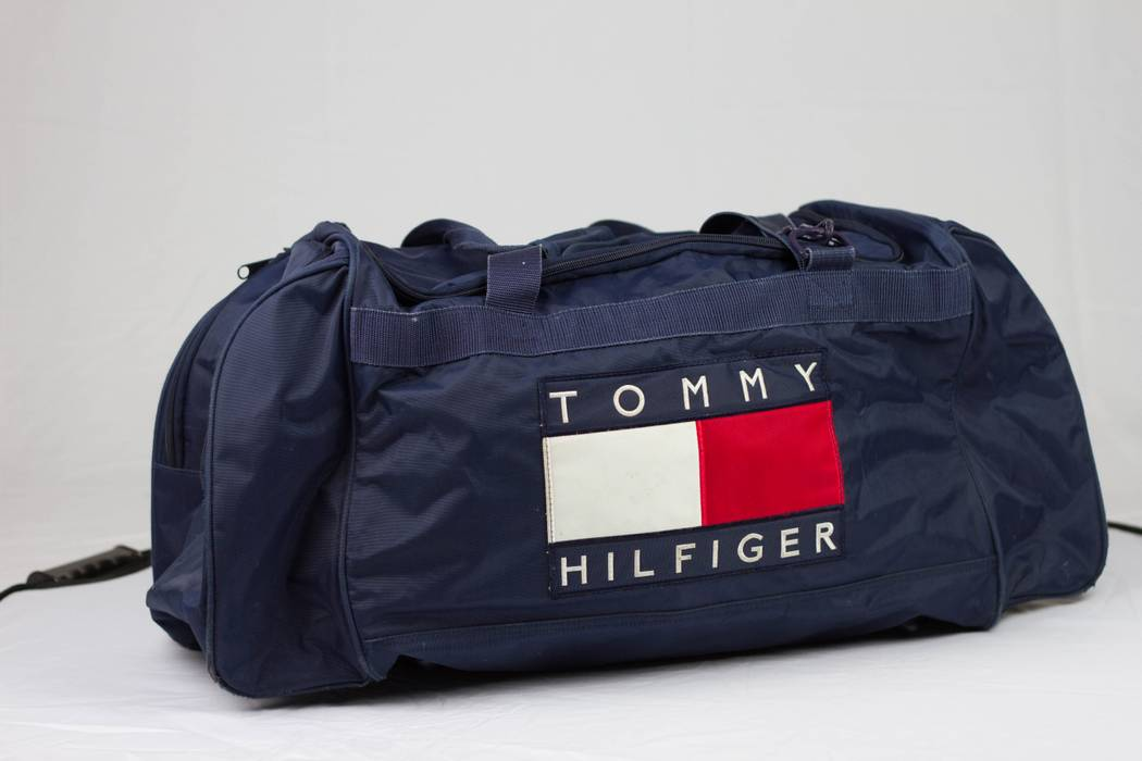 7985d64f7c Vintage VTG TOMMY HILFIGER DUFFLE BAG PATCH COLORBLOCK LOGO Size ONE SIZE