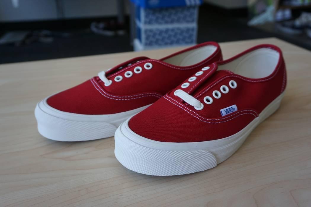 Vans Vans Vault OG Authentic Chili Pepper Size 7.5 - Low-Top ... 51eae81a8