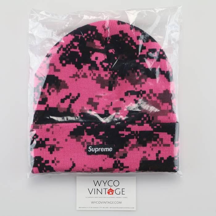 Supreme Supreme Digi Camo Beanie Pink Stocking Cap Bogo Hat New York  Streetwear BNWT Size ONE 9ea9c20669a