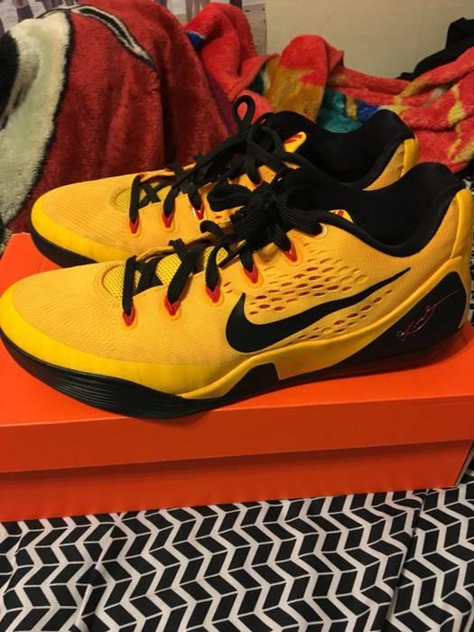 5a5fbf74f88c Nike Kobe 9 EM Low Bruce Lee Size 9 - Low-Top Sneakers for Sale ...