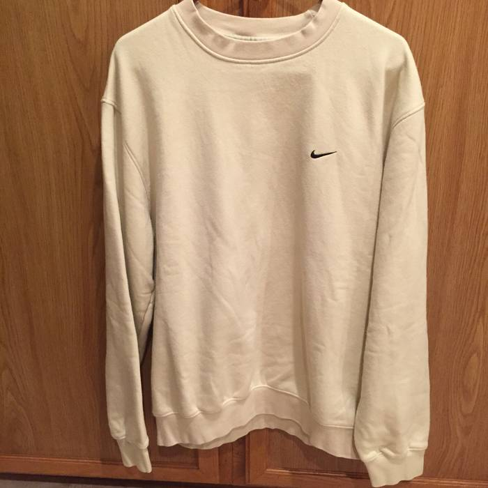 01c9c8a84e4b Nike Vintage Nike Cream Crewneck Sweater MENS large clean Size l ...