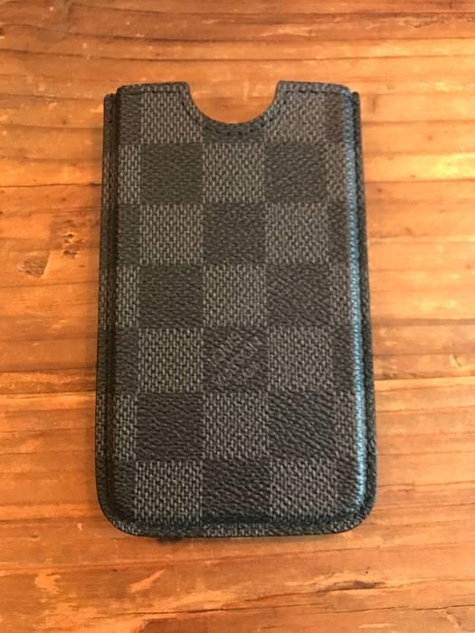 d9ffa498bf7c Louis Vuitton Louis Vuitton iPhone 4 4S Phoneholder   Case Size one ...