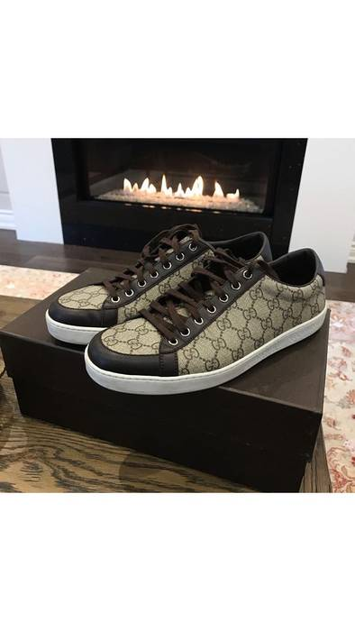 38d02911f22 Gucci 100% AUTHENTIC GUCCI GG SUPREME LOW TOP SNEAKERS Size 10 - Low ...