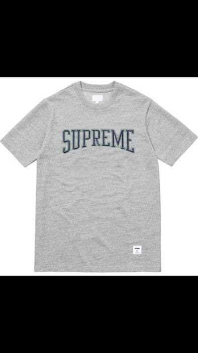 Supreme Dotted Arc Tee (Retail) Size m - Long Sleeve T-Shirts for ... 9f61c1d6e1f