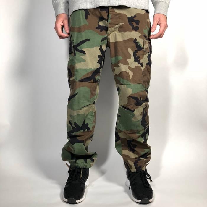 Vintage Vintage U.S. army green camouflage cargo pants   Mens Large-Regular  Size US 36 814eb1f5b7f