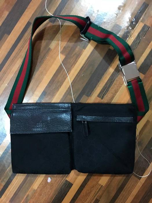 9103fccd9b6 Gucci Authentic Gucci GG Supreme fanny pack