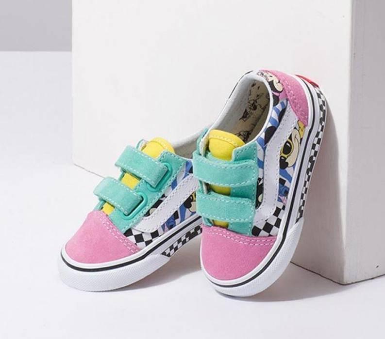 be10a32309 Vans Vans x Disney Old Skool V (80 s Mickey M True)  Toddler   Size ...