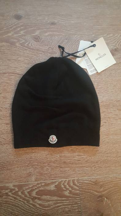 Moncler Slouchy Beanie Black Size one size - Hats for Sale - Grailed 2348f6ebbf6