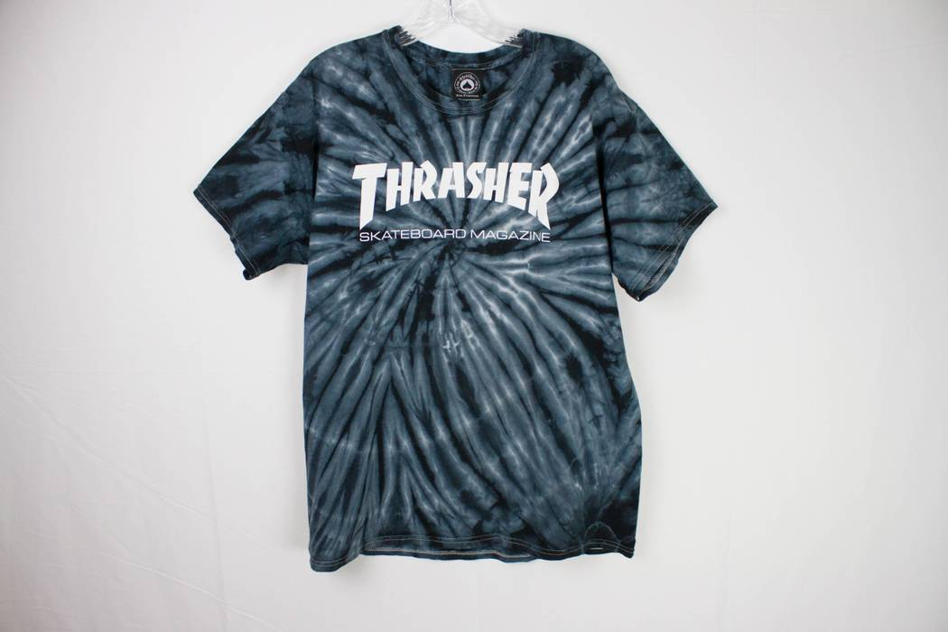 Thrasher Flame Logo Blue Tie Dye Size l - Short Sleeve T-Shirts for ... 7d5256e21117