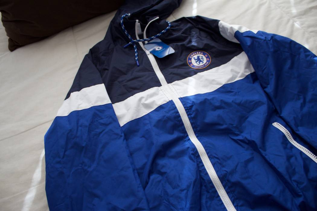 Chelsea Soccer CHELSEA FC WARM UP JACKET Size s - Long Sleeve T ... c66bb567c
