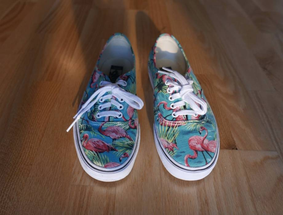 5766a24a2eb Vans Vans Unisex Authentic Van Doren Flamingo Sneakers Size 9 - Low ...
