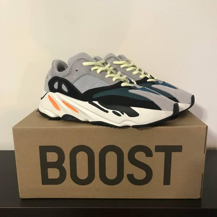 bdea052c1b9 Yeezy Boost Yeezy 700 Wave Runner Size 8 - Low-Top Sneakers for Sale ...