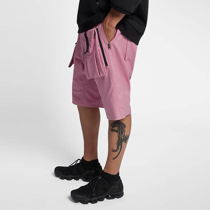 separation shoes 9c7df f675c Nike Nike NikeLab ACG Deploy Cargo Shorts Wide Leg Stretch Cotton CRG Pink  Size S Size