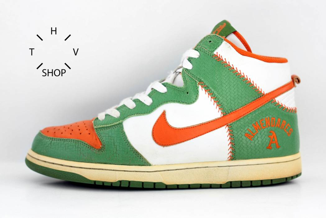 save off c0788 8fdd9 Nike. Dunk HI Top sneakers ALMENDARES Club white orange ...