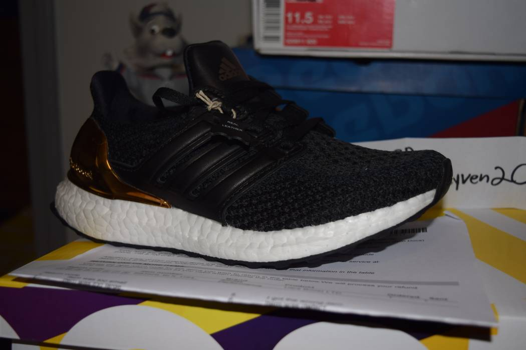 48b8b2730b1 Adidas Sz 4 Adidas Ultra boost gold ltd BB3929 Size 6 - Low-Top ...