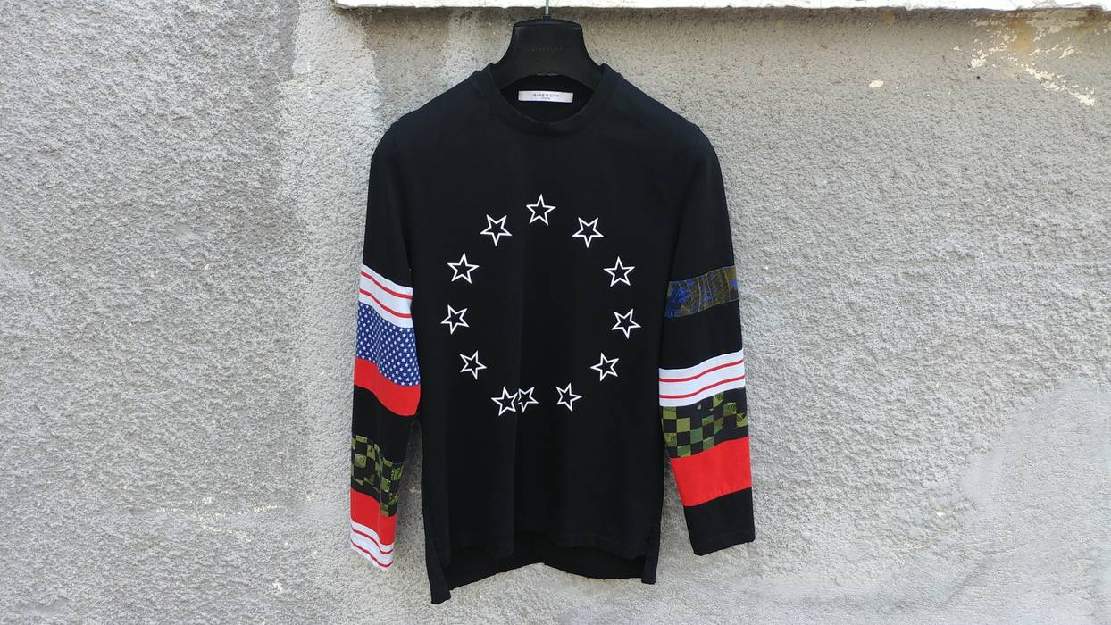 Givenchy Givenchy Distressed Star Colour-Block Men s Cuban Fit ... cae8eb173bf5