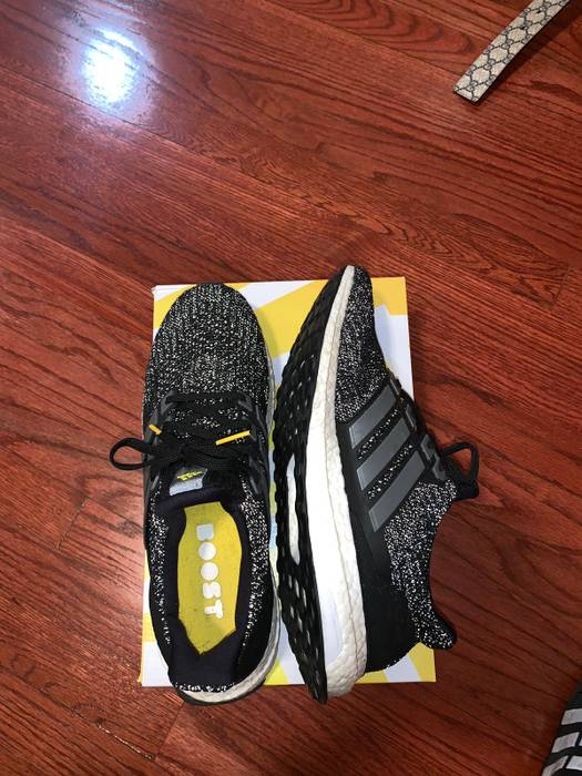 e9ec75a85cba Adidas Ultra boost Limited (5 Year Anniversary) Size 11 - Low-Top ...