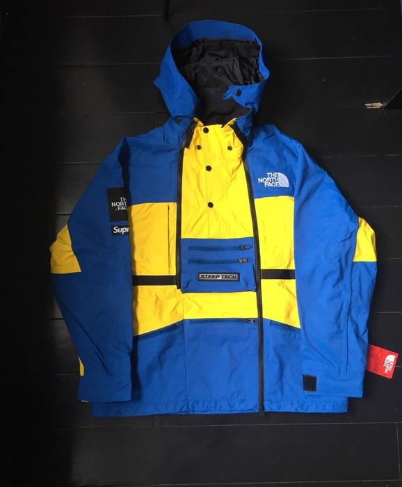 0140239866 Supreme Supreme X The North Face Steep Tech Royal Jacket Size US L   EU 52