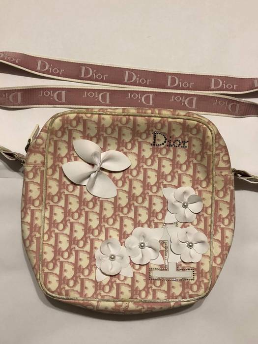 Dior. LAST CHANCE - CHRISTIAN DIOR PINK MONOGRAM SHOULDER BAG. Size  ONE  SIZE c434652b03e0d