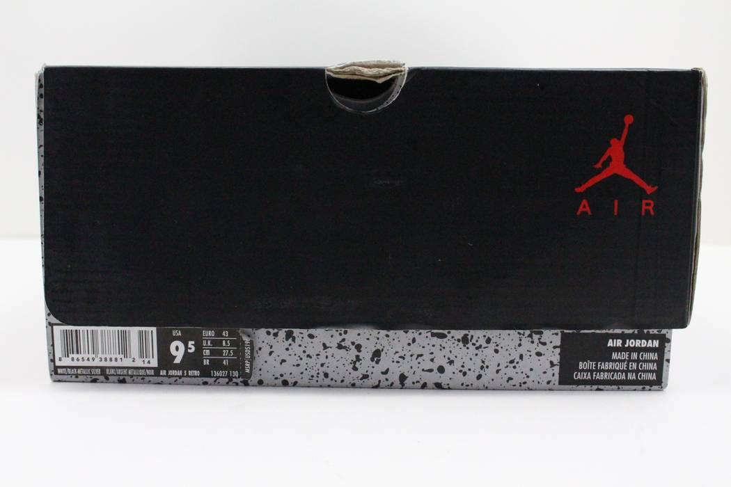 d52c352399a59a Nike Nike Air Retro Jordan 5 White Metallic Size 9 - Hi-Top Sneakers ...