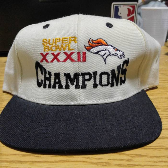 bca6cf54ff8 Vintage Vintage Superbowl 32 champions Denver Broncos snapback Size ONE SIZE