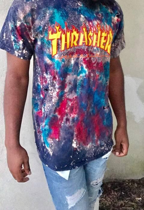 06848290db03 Custom Thrasher Skateboard Magazine T-shirt Size l - Short Sleeve T ...