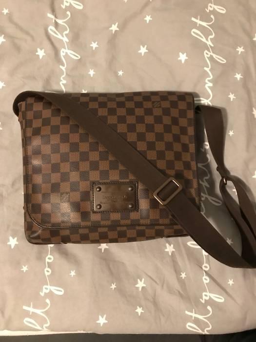 b1cbac8aca9e Louis Vuitton Damier Ebene Brooklyn MM Shoulder Messenger Bag Size ...