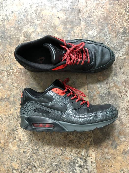Nike Air Max 90 Deluxe Infrared Black Safari Size 11.5 - Low-Top ... 6bf849ca6fd