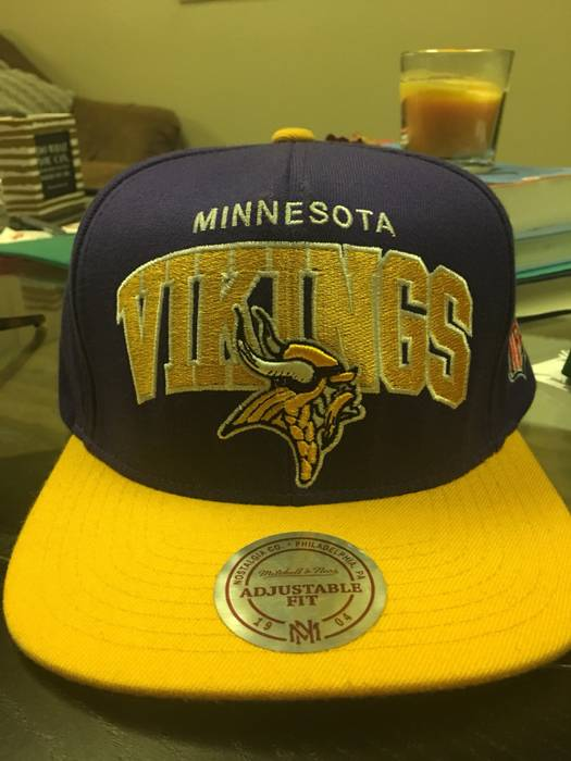 Vintage NFL Minnesota Vikings Vintage SnapBack NWT Size one size ... a1377a230cd2