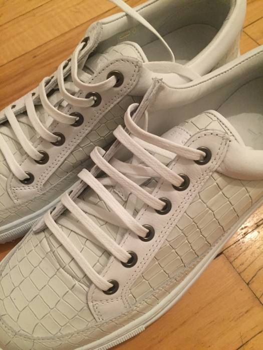 Etq White Croc Embossed Low Size 10 - Hi-Top Sneakers for Sale - Grailed ae6700f5be33