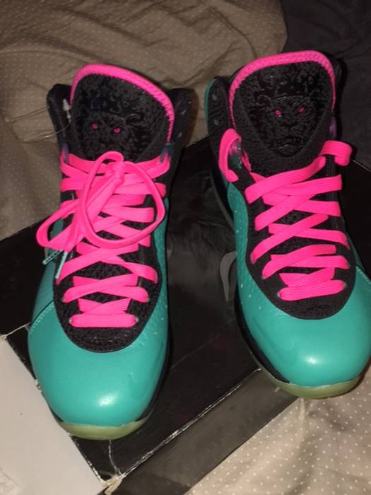 bc04a155c41 Nike LEBRON 8 SOUTH BEACH Size 8.5 - Hi-Top Sneakers for Sale - Grailed