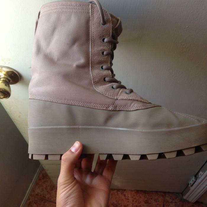 0588014149461 Adidas Kanye West Yeezy 950 Moonrock Size 10.5 - Boots for Sale ...