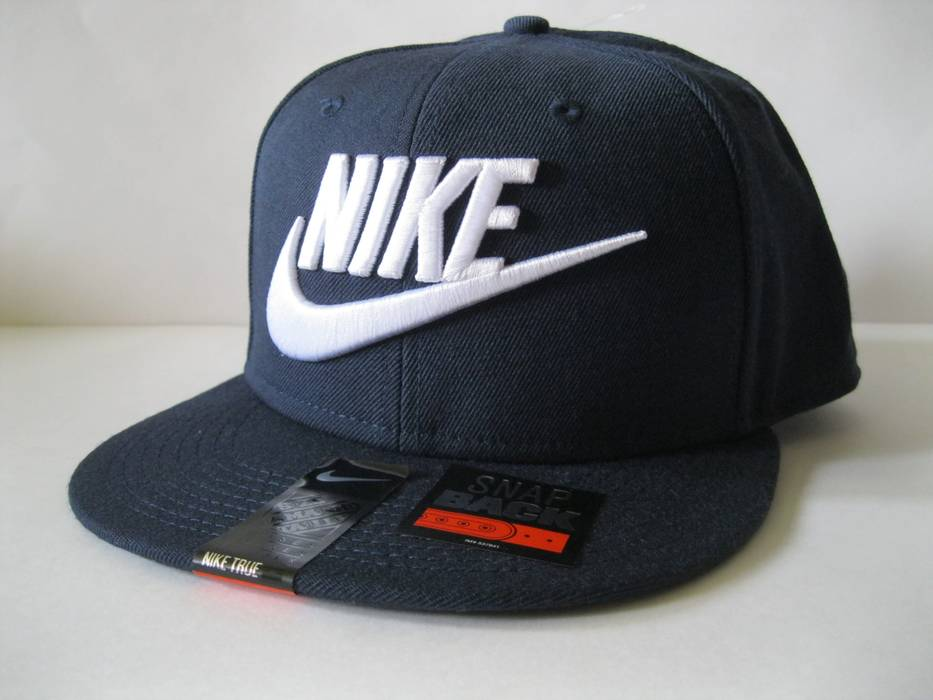 6abb4b06ebe Nike Futura True 2 Snapback Wool Navy Size one size - Hats for Sale ...