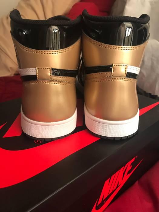 f9e30b2637467c Nike Nike Air Jordan 1 Retro High Og Gold Toe Size 8.5 - Hi-Top ...