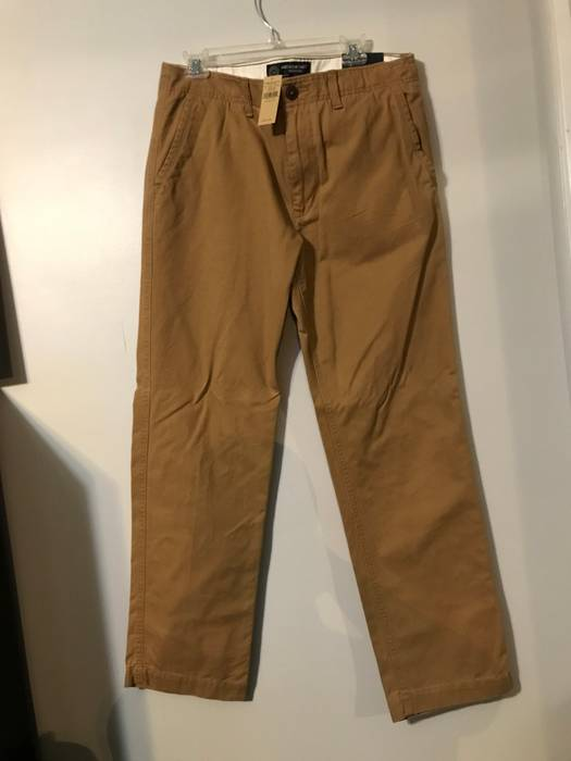 American Eagle Outfitters American eagle khaki pants 33 32 NWT Ret- 44.95  Size US 989d9a64f4d7