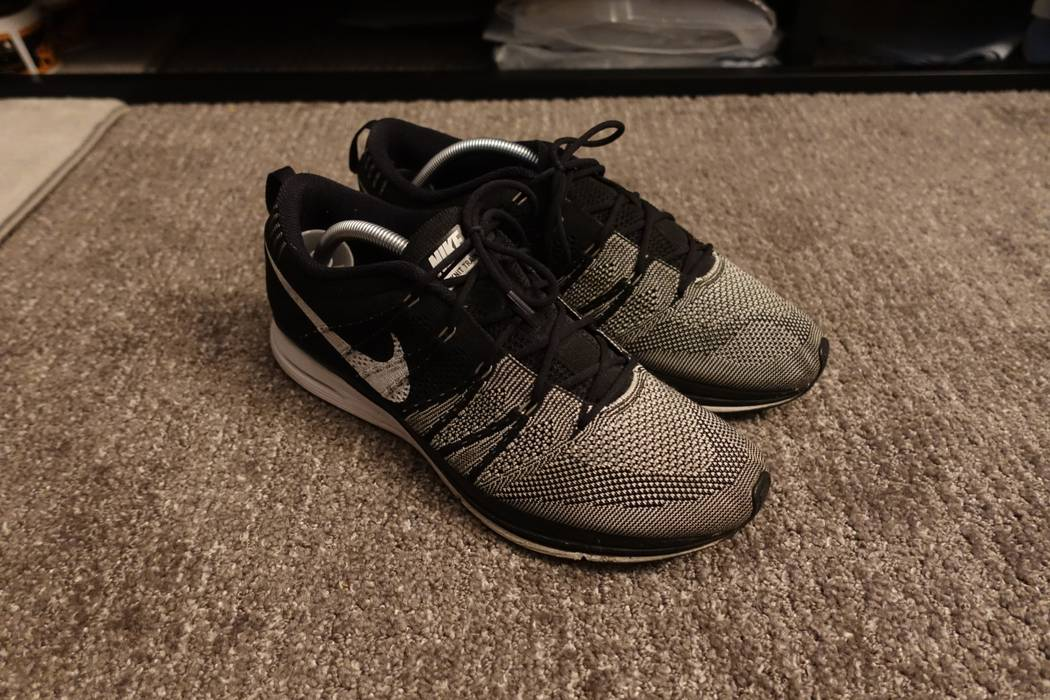 494c03fcfcec ... official store nike nike flyknit trainer black white padded size us 10  eu 43 1 8d8a4
