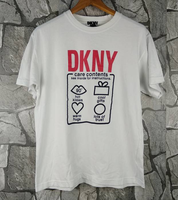 Dkny Vintage DKNY USA Donna Karan New York Jeans T-Shirt Size Medium Size US 200aadad7d1