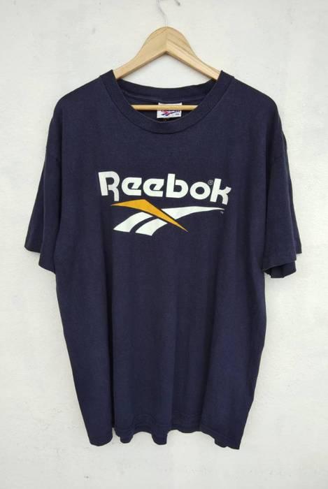 02135fca5fd Vintage VINTAGE 90s REEBOK T-SHIRT Big Logo Adidas Nike Versace Chanel Fendi
